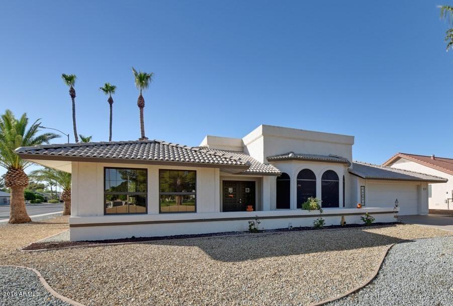 Photo of 21402 N SUNGLOW Drive, Sun City West, AZ 85375