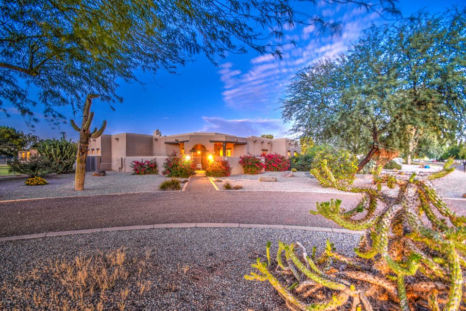 Photo of 3416 E TREMAINE Avenue, Gilbert, AZ 85234