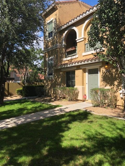 Photo of 165 W Tremaine Court, Gilbert, AZ 85233