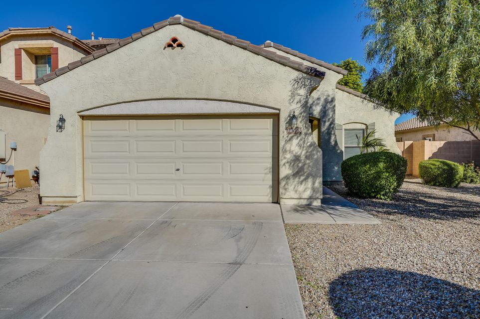Photo of 18558 W SUNNYSLOPE Lane, Waddell, AZ 85355