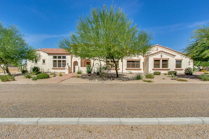 Photo of 16506 E CEDAR WAXWING Drive, Gilbert, AZ 85298