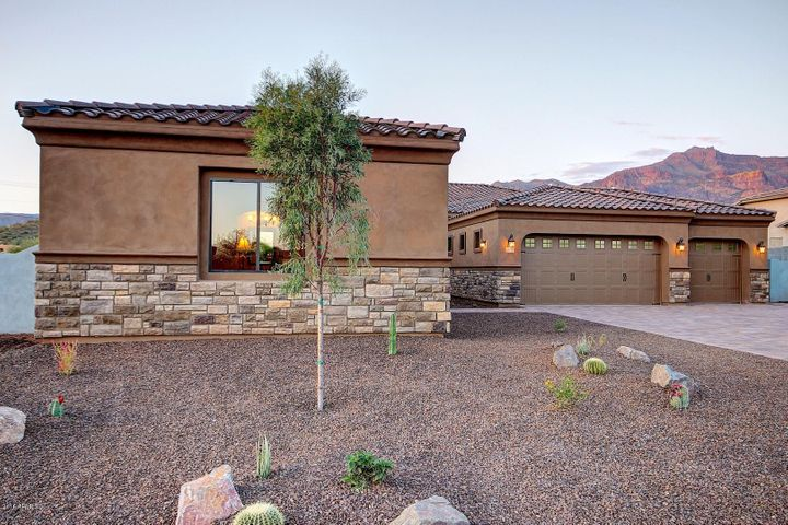 Photo of 4179 S WILLOW SPRINGS Trail, Gold Canyon, AZ 85118