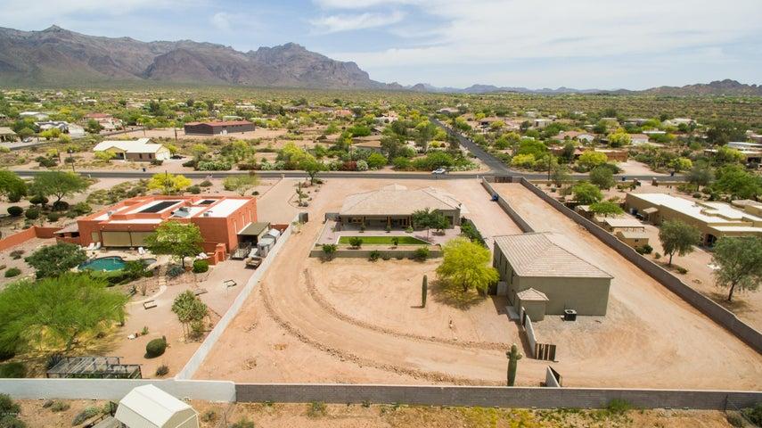 Photo of 2142 S GERONIMO Road, Apache Junction, AZ 85119