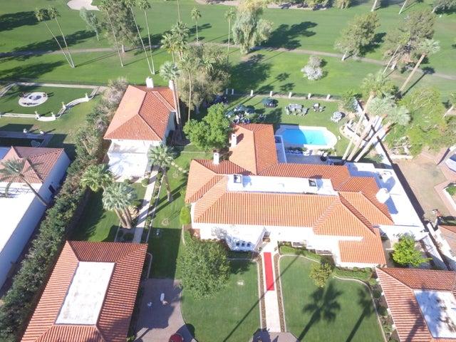 Photo of 106 E COUNTRY CLUB Drive, Phoenix, AZ 85014