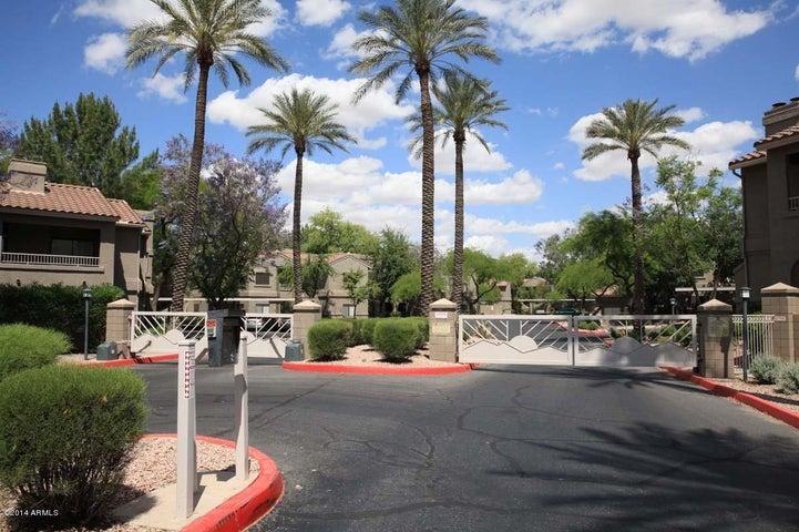 Photo of 15050 N THOMPSON PEAK Parkway #1042, Scottsdale, AZ 85260