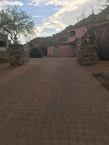 Photo of 10756 E La Junta Road, Scottsdale, AZ 85255