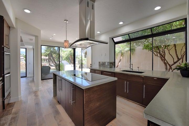 Photo of 10323 N 101ST Place, Scottsdale, AZ 85258