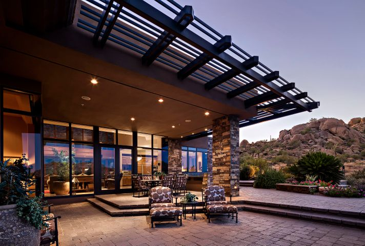 Photo of 10131 E Cavedale Drive, Scottsdale, AZ 85262
