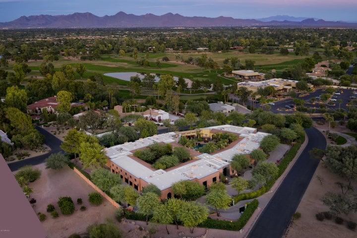 Photo of 8100 N 68th Street, Paradise Valley, AZ 85253