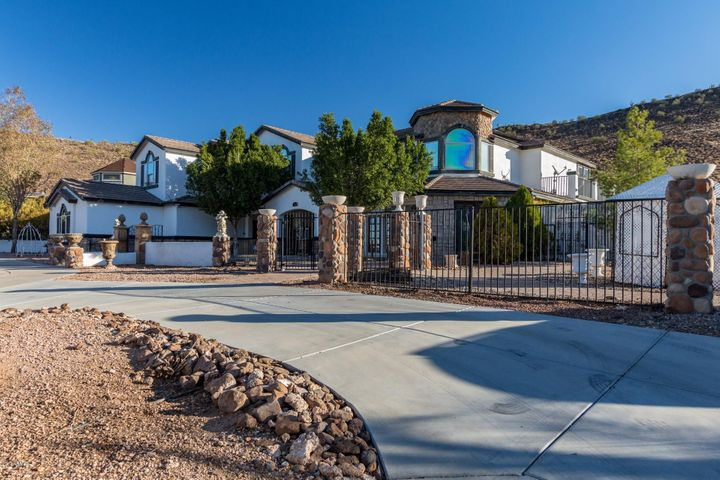 Photo of 23185 N 61ST Drive, Glendale, AZ 85310