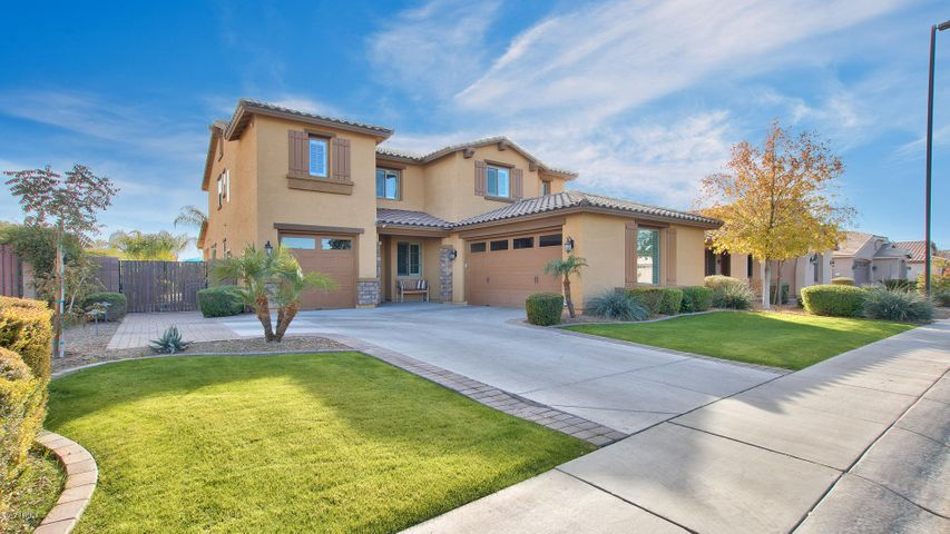 Photo of 551 W POWELL Way, Chandler, AZ 85248