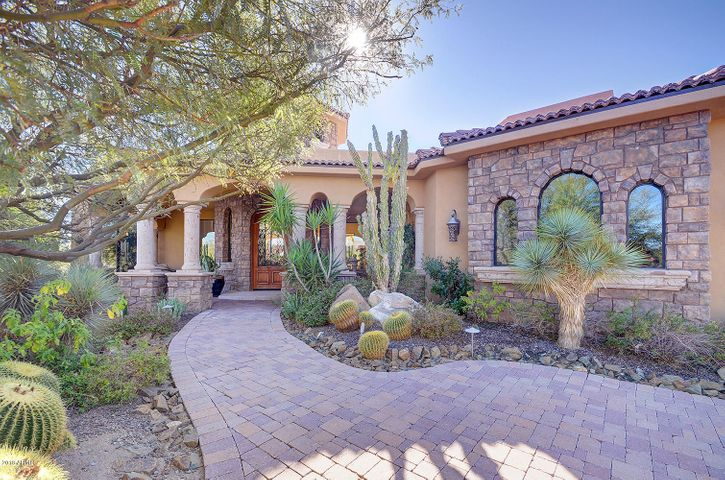 Photo of 10715 E WHITETHORN Drive #19, Scottsdale, AZ 85262