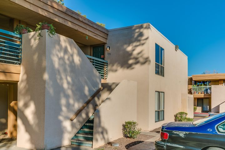 Photo of 3435 W DANBURY Drive #B216, Phoenix, AZ 85053