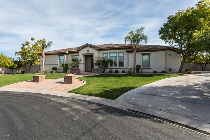 Photo of 3527 E INDIGO Circle, Mesa, AZ 85213