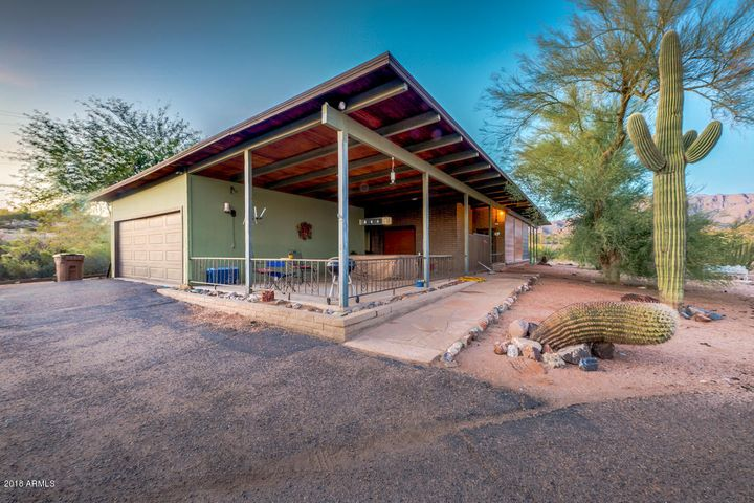 Photo of 3904 S PAINTED PONY Trail, Gold Canyon, AZ 85118