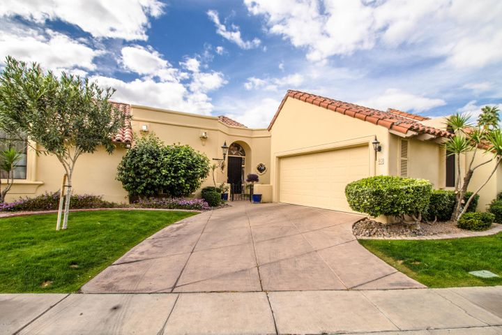 Photo of 10050 E MOUNTAINVIEW LAKE Drive #62, Scottsdale, AZ 85258