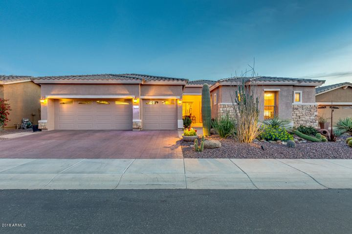 Photo of 42483 W BLUE SUEDE SHOES Lane, Maricopa, AZ 85138