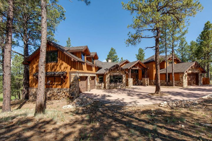 Photo of 3417 S BROWN SAGE Court, Flagstaff, AZ 86005