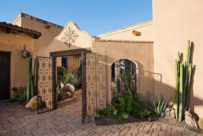Photo of 8629 E OLD FIELD Road, Scottsdale, AZ 85266