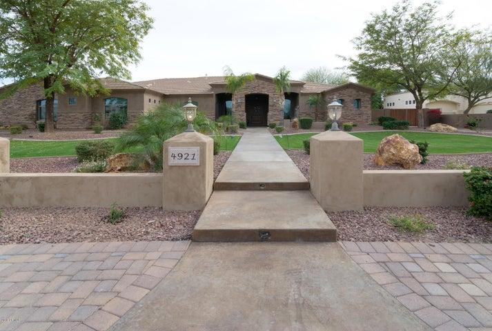 Photo of 4921 W ELECTRA Lane, Glendale, AZ 85310