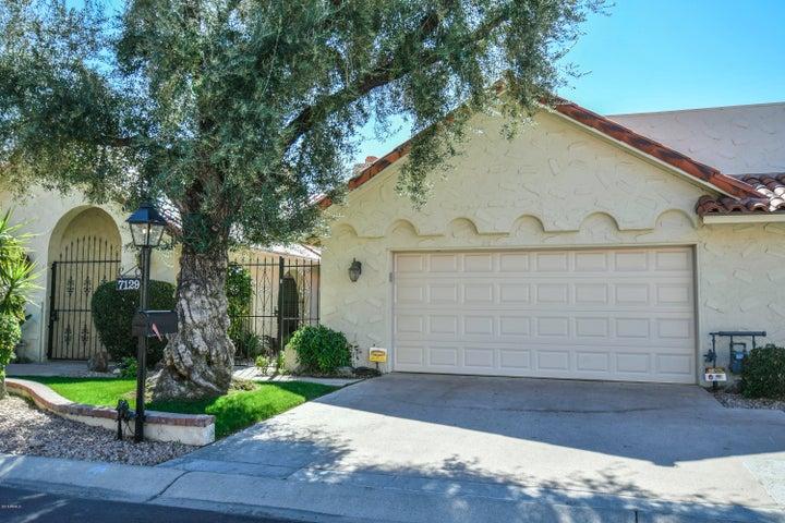Photo of 7129 E ARLINGTON Road, Paradise Valley, AZ 85253
