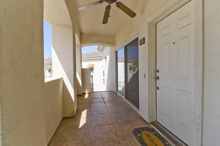 Photo of 2950 W LOUISE Drive W #208, Phoenix, AZ 85027
