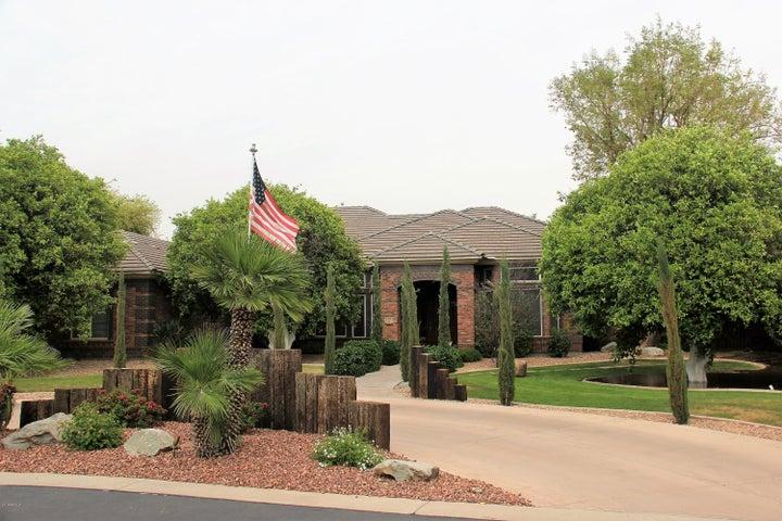 Photo of 2505 N MAPLE Circle, Mesa, AZ 85215