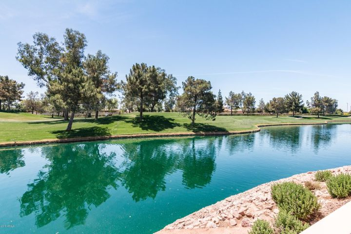 Photo of 3800 S CANTABRIA Circle #1028, Chandler, AZ 85248