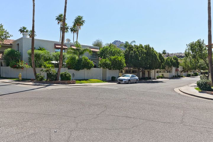 Photo of 1808 E FRIER Drive #3, Phoenix, AZ 85020