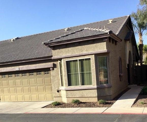 Photo of 2725 E MINE CREEK Road #1202, Phoenix, AZ 85024