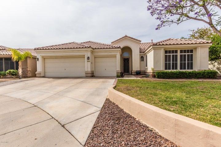 Photo of 6828 W CREST Lane, Glendale, AZ 85310