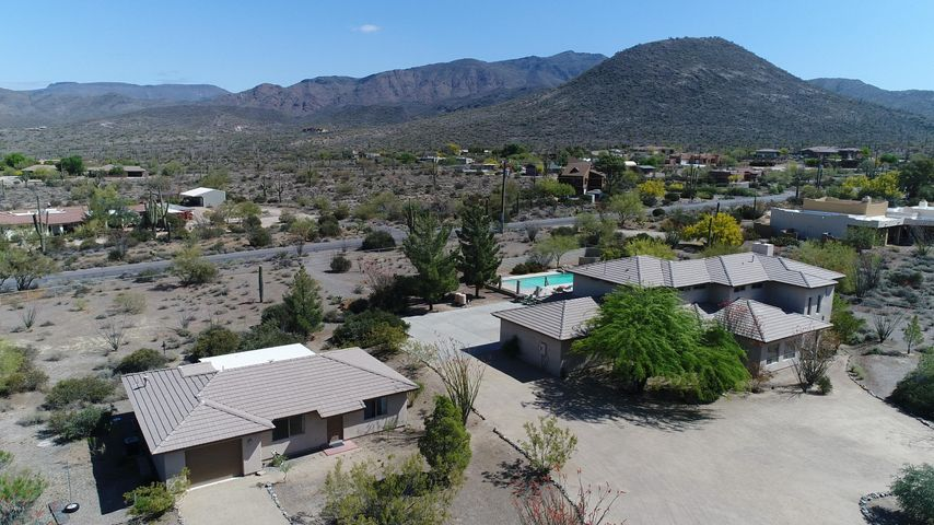 Photo of 7227 E HIGHLAND Road, Cave Creek, AZ 85331