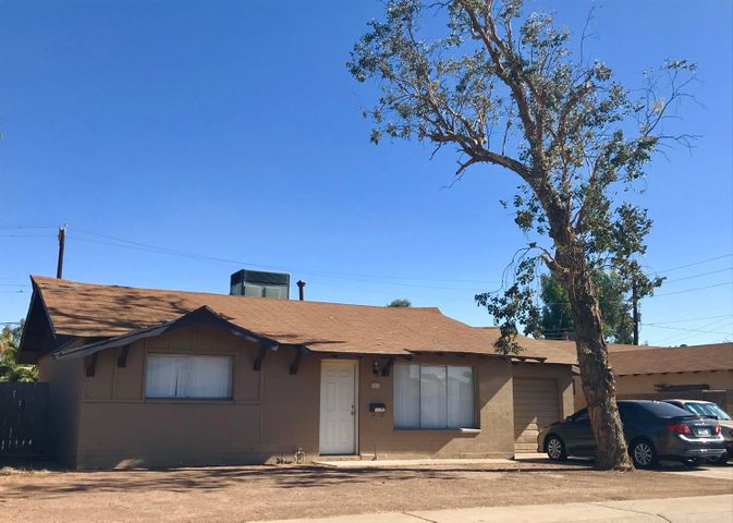 Photo of 4433 W BERRIDGE Lane, Glendale, AZ 85301