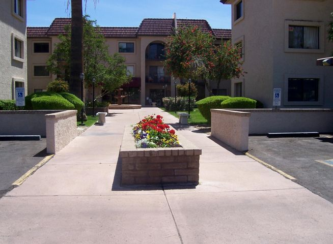 Photo of 3033 E DEVONSHIRE Avenue #3018, Phoenix, AZ 85016