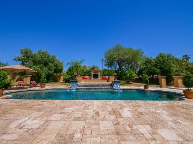 Photo of 6730 E SAN MIGUEL Avenue, Paradise Valley, AZ 85253