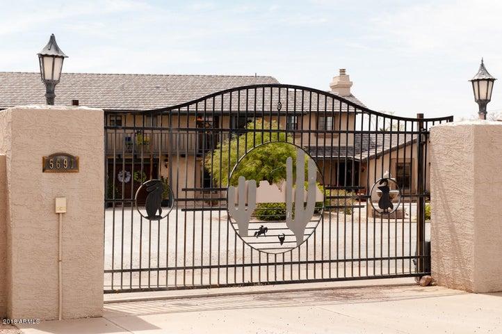 Photo of 5691 E 3RD Avenue, Apache Junction, AZ 85119