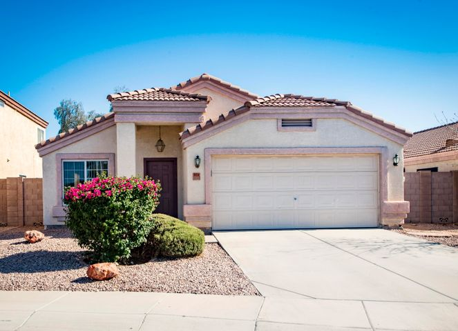 Photo of 973 E LAREDO Street, Chandler, AZ 85225