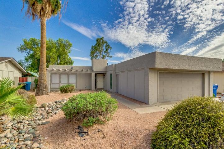Photo of 3831 E SWEETWATER Avenue, Phoenix, AZ 85032