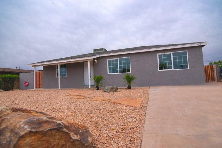 Photo of 749 N WASHINGTON Street, Chandler, AZ 85225