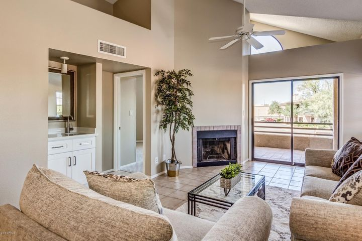 Photo of 10301 N 70TH Street #235, Paradise Valley, AZ 85253