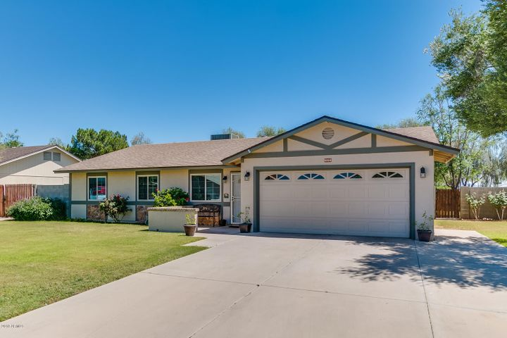Photo of 9055 W HARMONT Drive, Peoria, AZ 85345