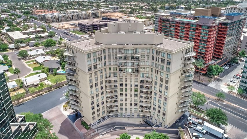 Photo of 2402 E ESPLANADE Lane #501, Phoenix, AZ 85016