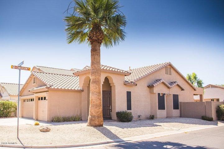 Photo of 983 W FAIRWAY Drive, Chandler, AZ 85225