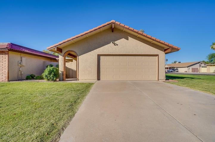 Photo of 5201 E TUNDER Circle, Phoenix, AZ 85044