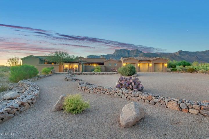 Photo of 7016 E GRAND VIEW Lane, Apache Junction, AZ 85119