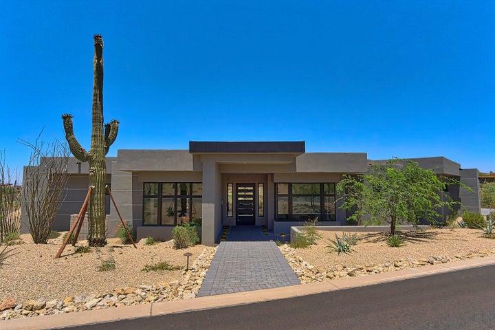 Photo of 10708 E CINDER CONE Trail, Scottsdale, AZ 85262