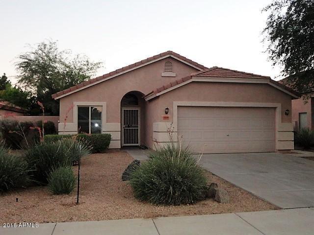 Photo of 3105 E DESERT Lane, Gilbert, AZ 85234