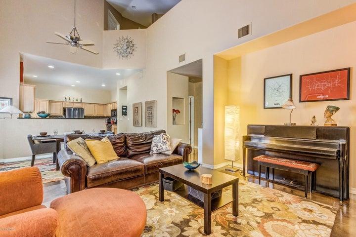 Photo of 1102 W GLENDALE Avenue #104, Phoenix, AZ 85021