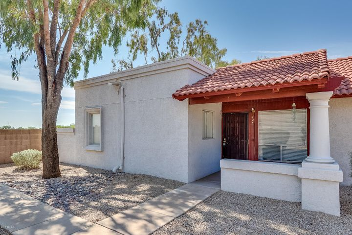 Photo of 10807 W NORTHERN Avenue #125, Glendale, AZ 85307