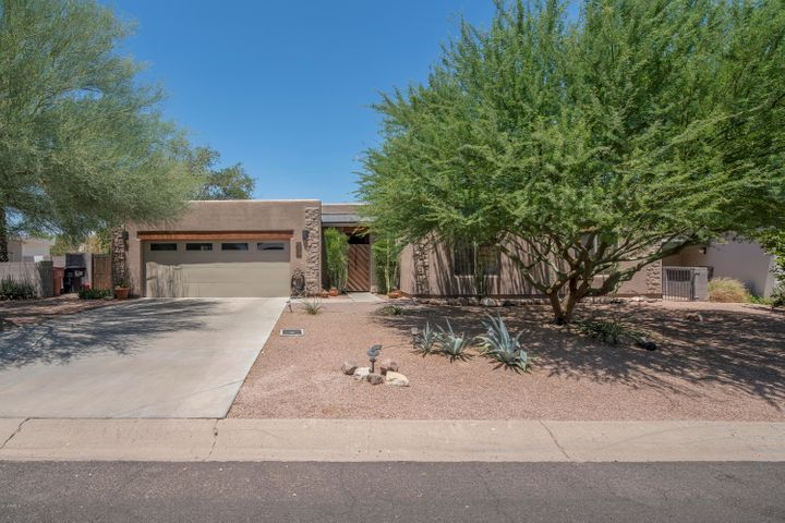 Photo of 7114 E PASADENA Avenue, Paradise Valley, AZ 85253